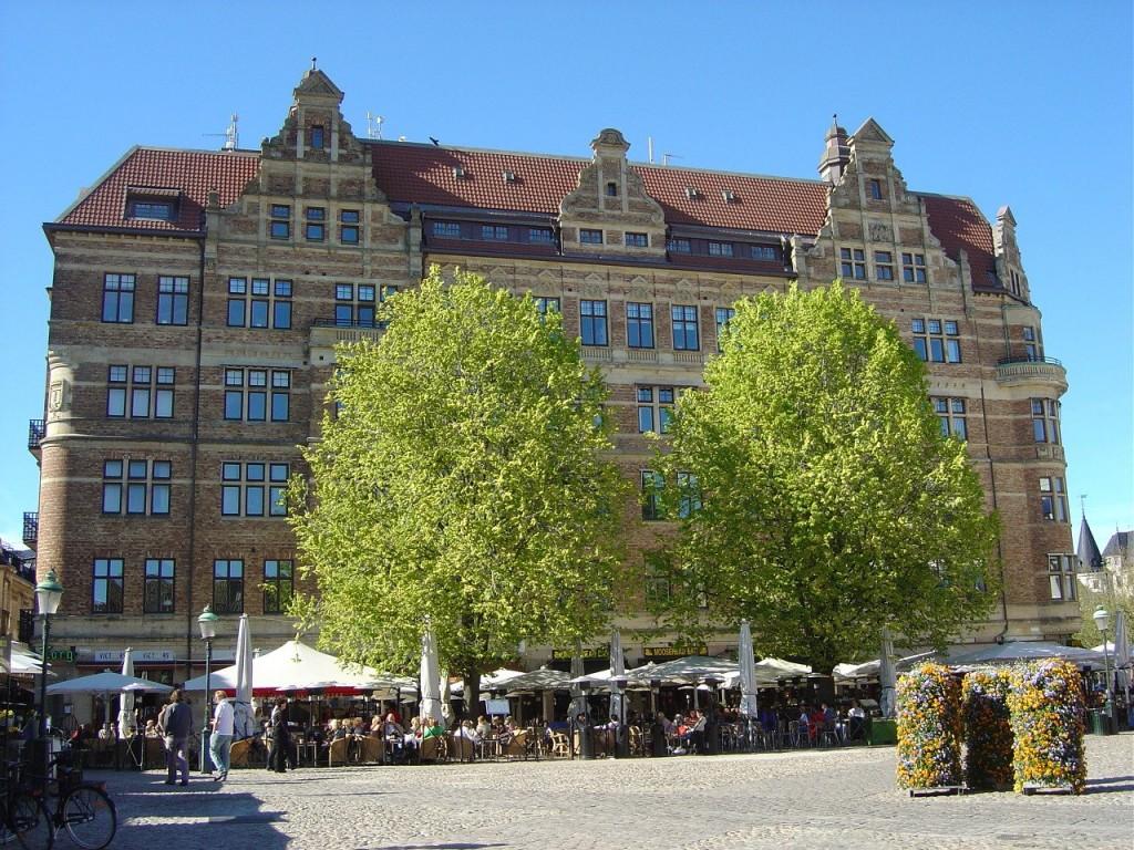 "(""Lilla Torg"" in Malmö)"