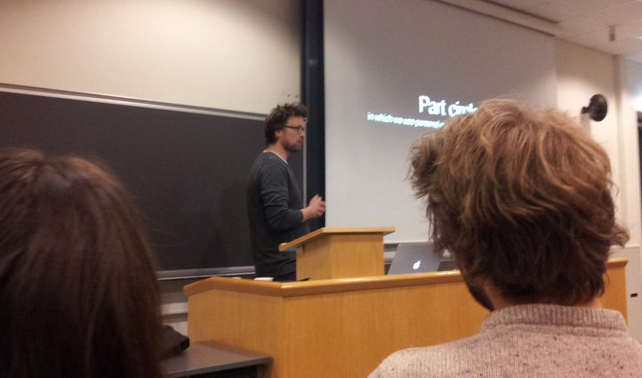(Ragnar giving a lecture at Hedmark University College about Storytelling in games)